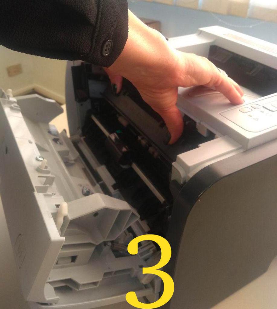 Come installare la cartuccia toner in una stampante